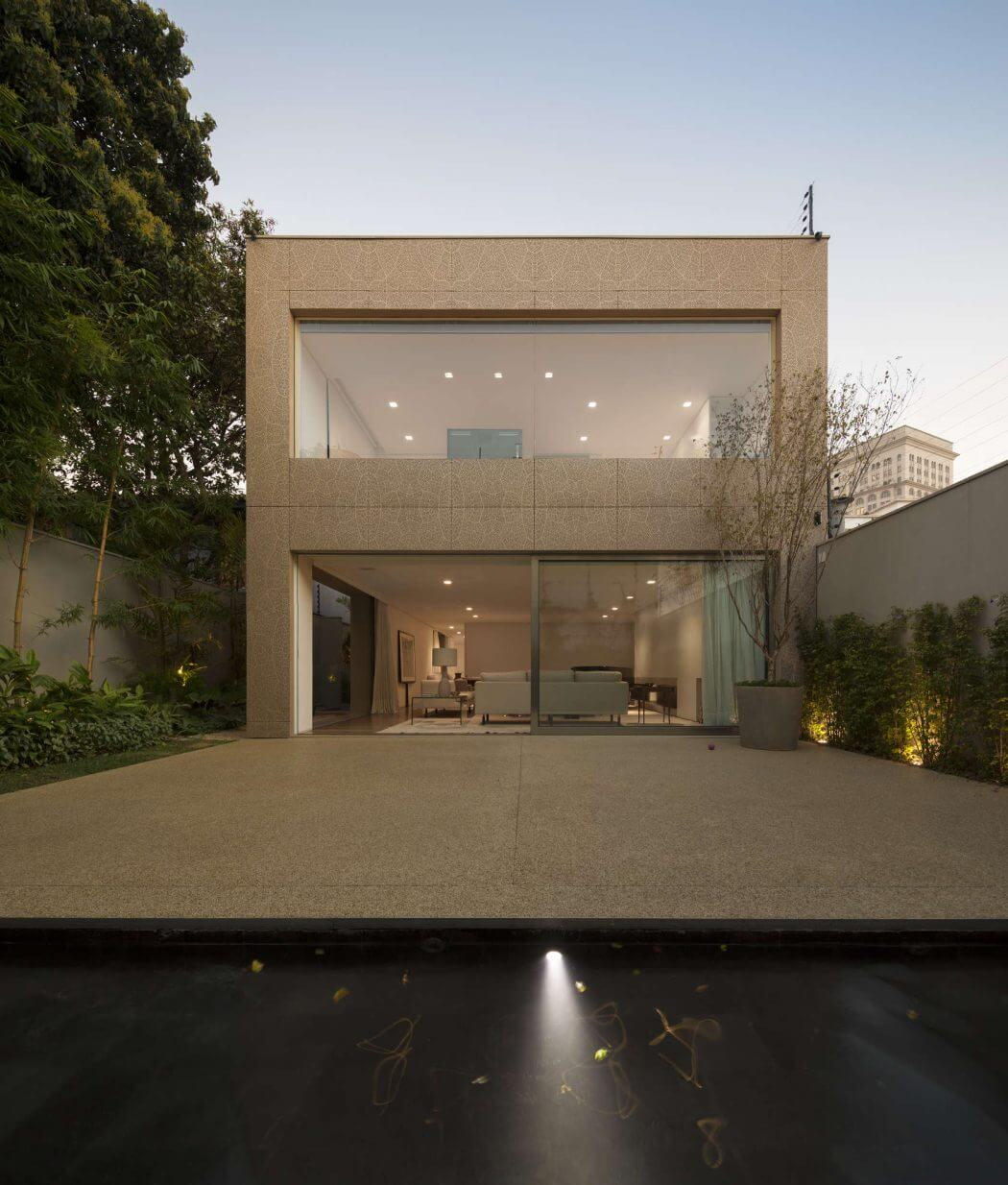 K House By Studio Arthur Casas Archiscene Your Daily