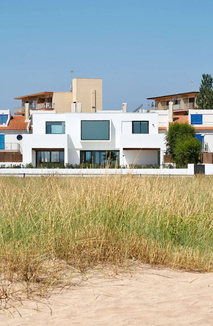 Seafront Residence (2)