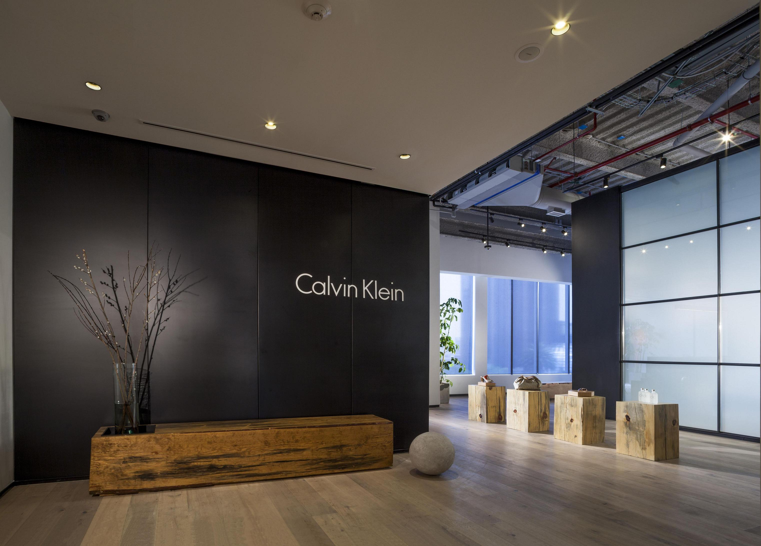 Calvin Klein Showroom By Juan Carlos Baumgartner