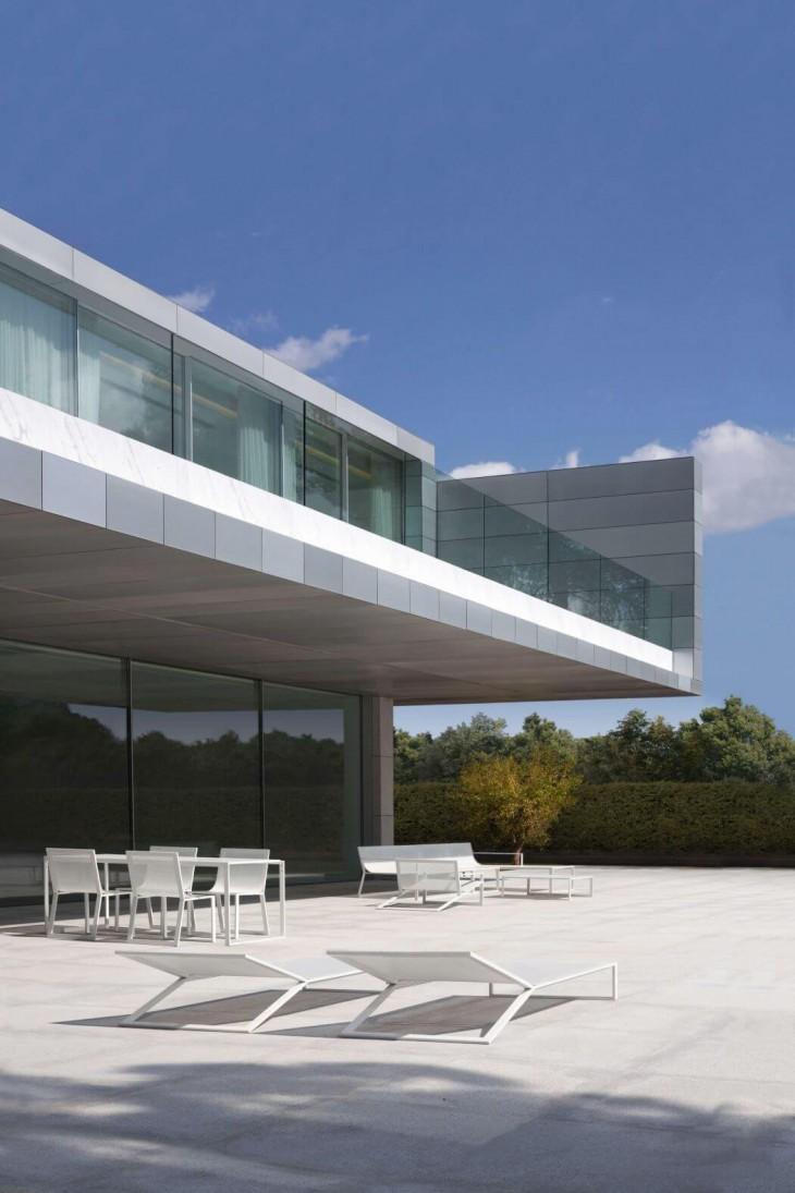 Aluminum House (3)