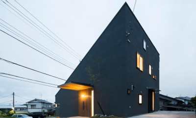 Minimalist House by Tukurito Architects