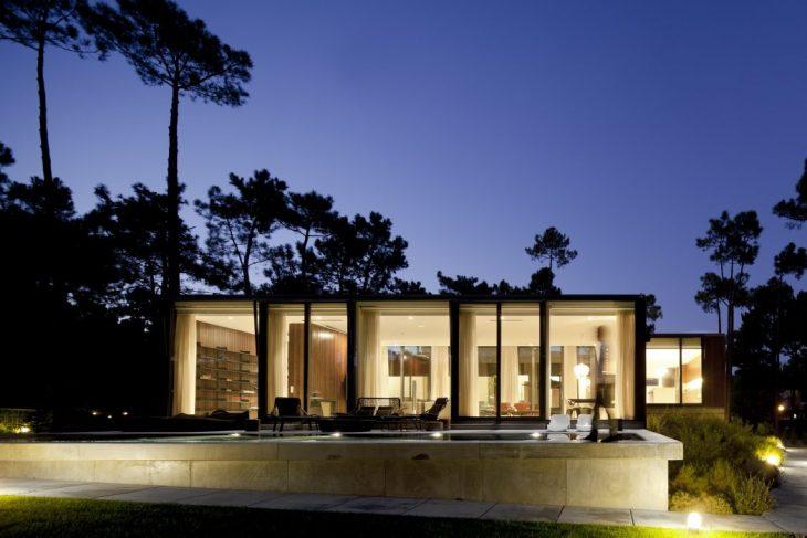Aroeira III House by ColectivArquitectura
