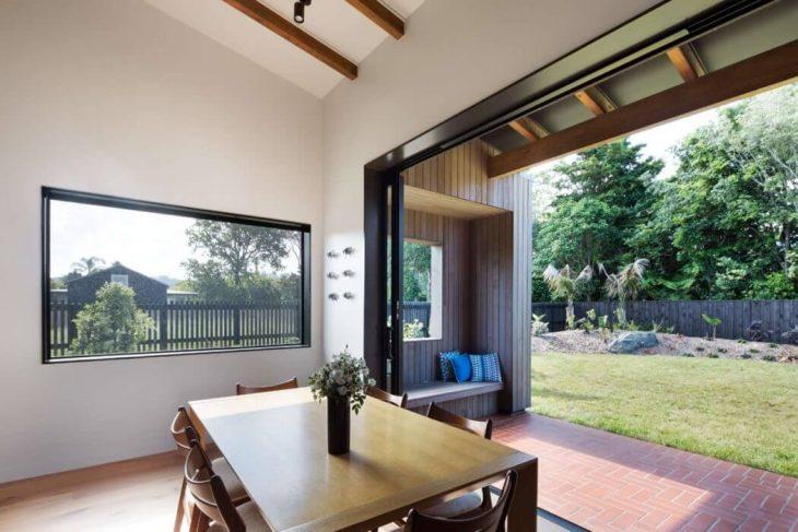house-under-eaves-9