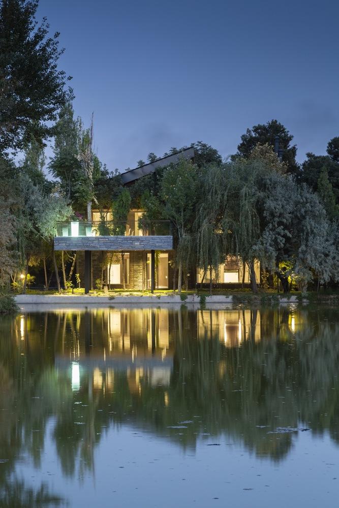 mehrshahr-villa-by-hooba-design