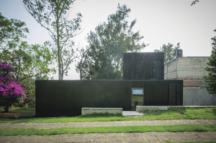 the-black-cabin-12