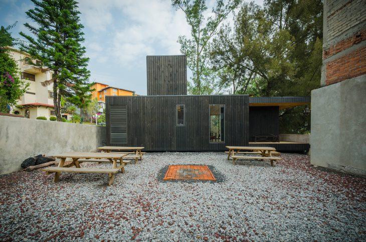 the-black-cabin-18