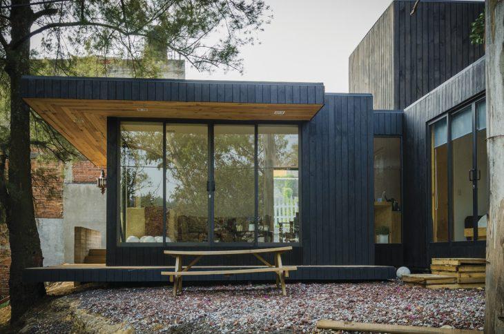 the-black-cabin-2