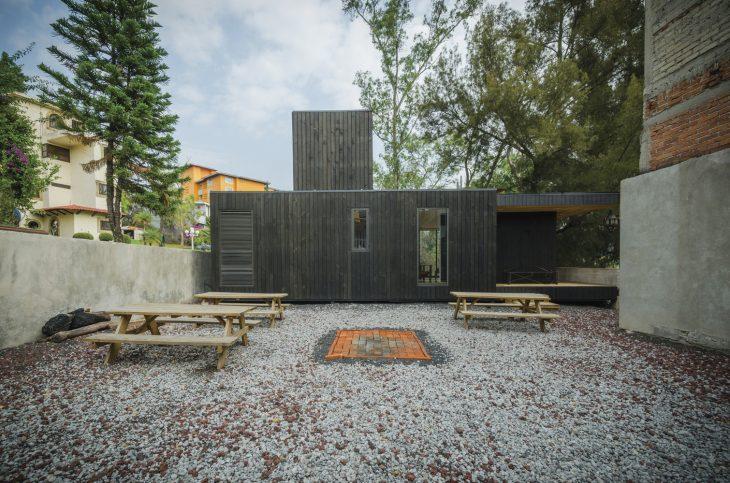 the-black-cabin-9