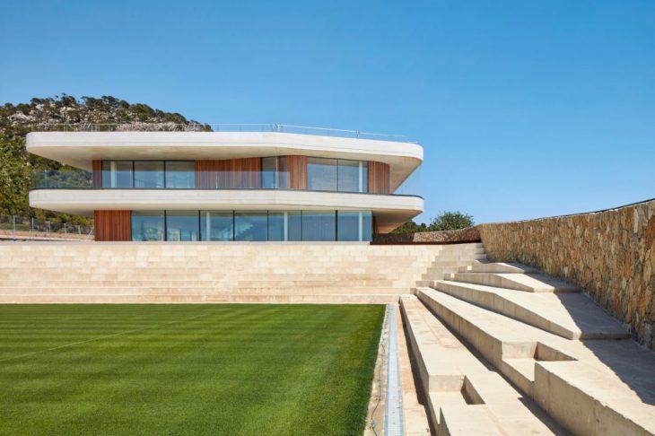 tennis-terraces-by-gras