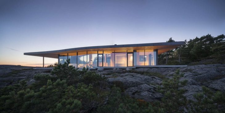 Seafront Retreat by Anttinen Oiva Architects