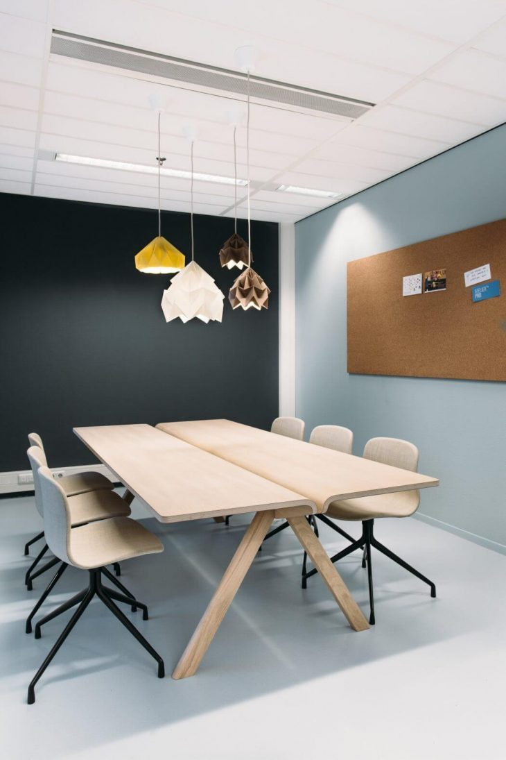 Contemporary-Office-Space-9-730x1095