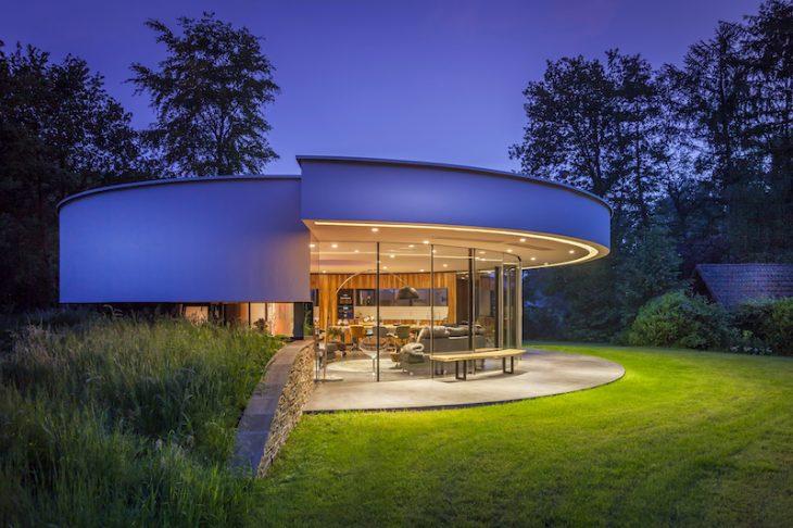 Tiny house 360 villa by 123dv modern villas archiscene for Modern house 360