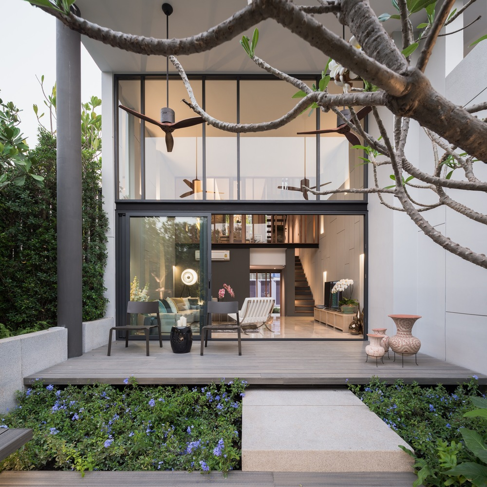Townhouse With Private Garden By Baan Puripuri
