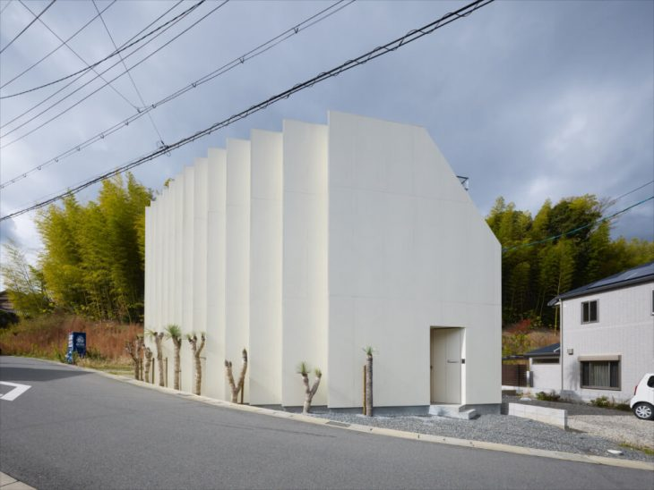 House In Muko By Fujiwaramuro Architects Archiscene Your Daily