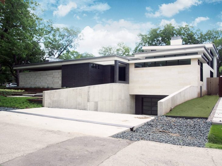 House in Dallas by Classic Modern Design Build - Archiscene - Your ...