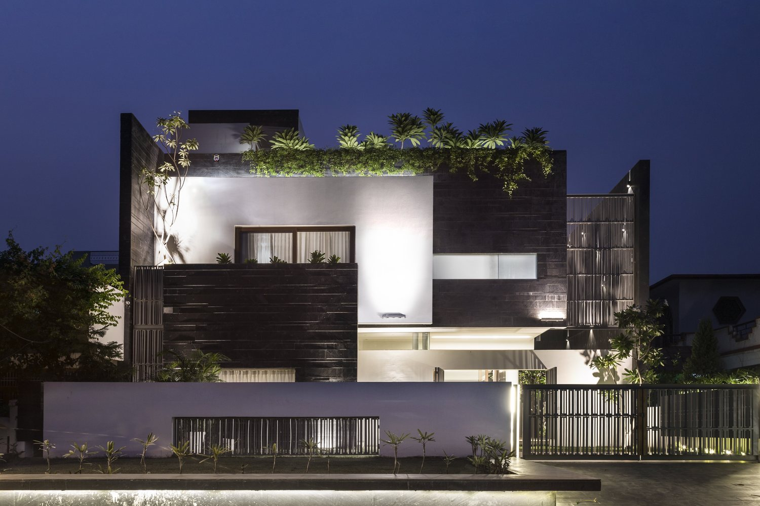 Residence 913 by Charged Voids - Archiscene - Your Daily ...