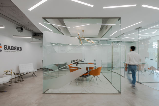 Take a tour of the new office space by sabrab archiscene for Oficinas de ing