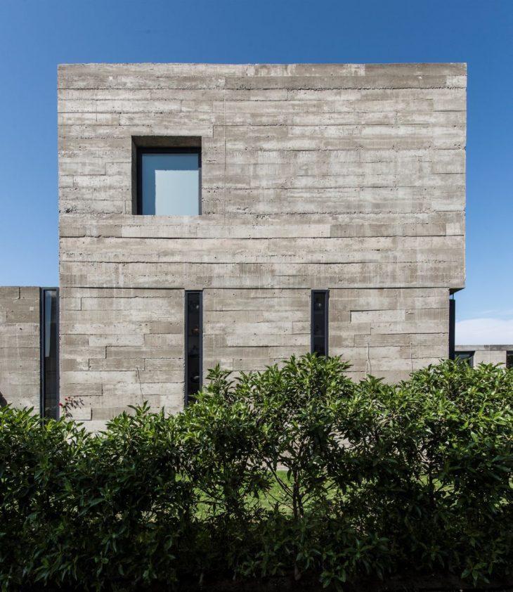Casa Bogavante by Riofrio Arquitectos - Archiscene
