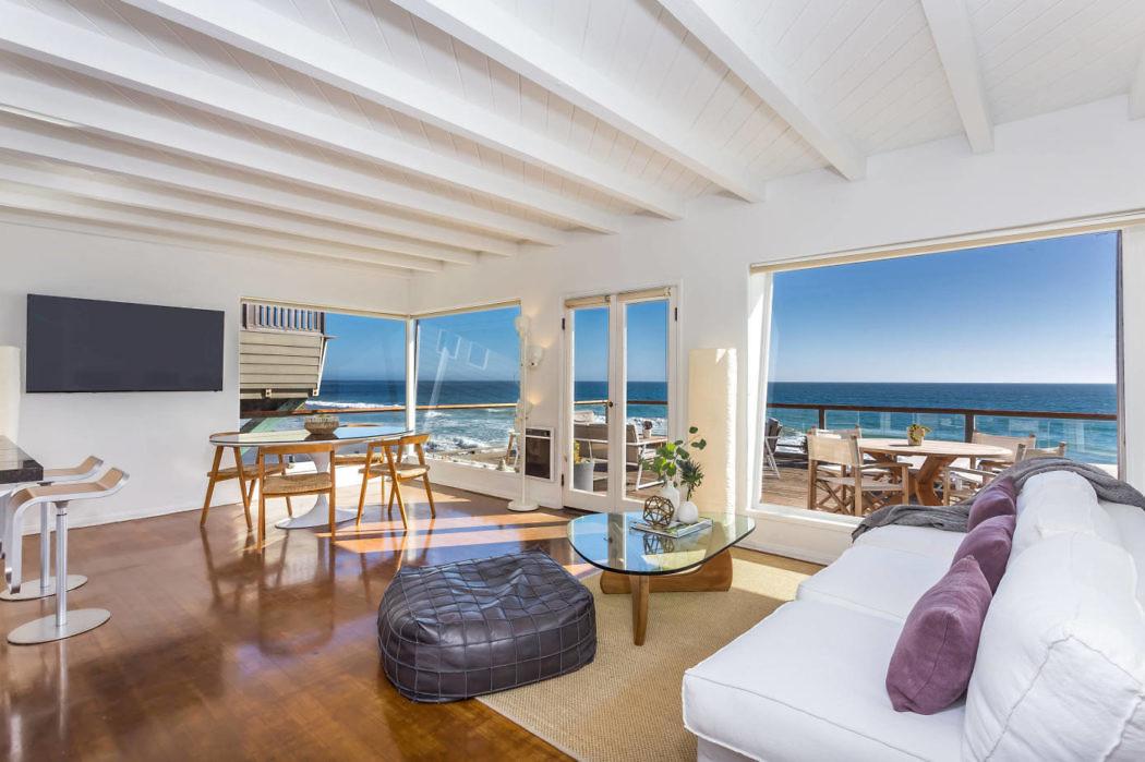 Malibu Modern Beach House By Caileen Designs Archiscene