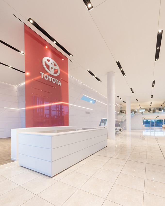 Toyota Motor Center Córdoba by eeg arquitectos