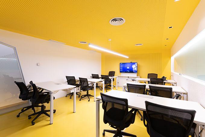 Ascentio Technologies Office by Baremberg Bass Estudio de Arquitectura