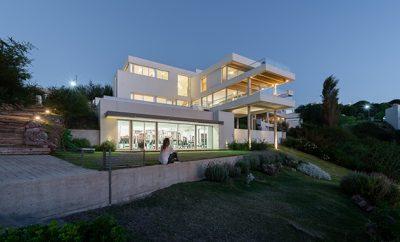 Casa VDTT by eypaa | Eguia y Papera arquitectos asociados