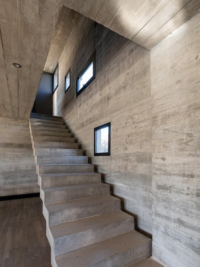 House 354 by Pinasco/Pinasco Arquitectos