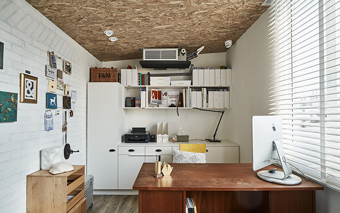 Ris Workspace by Ris Interior Design