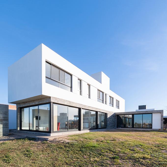 Vivienda en La Cascada by MZ Arquitectos