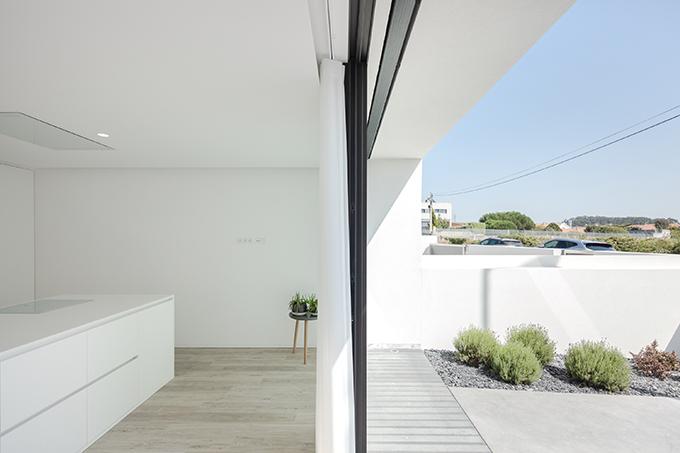 Argivai House by Raulino Silva Architect