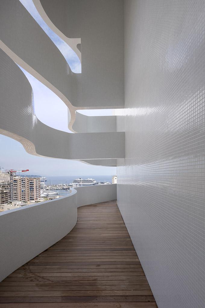 Le Stella by Jean-Pierre Lott Architecte