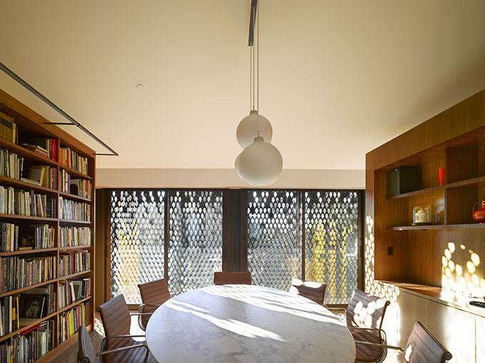Morgan Phoa Library and Residence by SPFarchitects