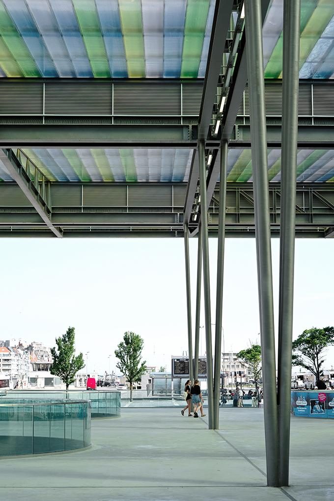 The station of Oostende by Dietmar Feichtinger Architectes