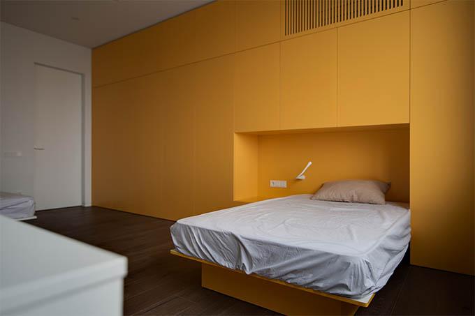 Polotno Apartment by Sergey Makhno Architects