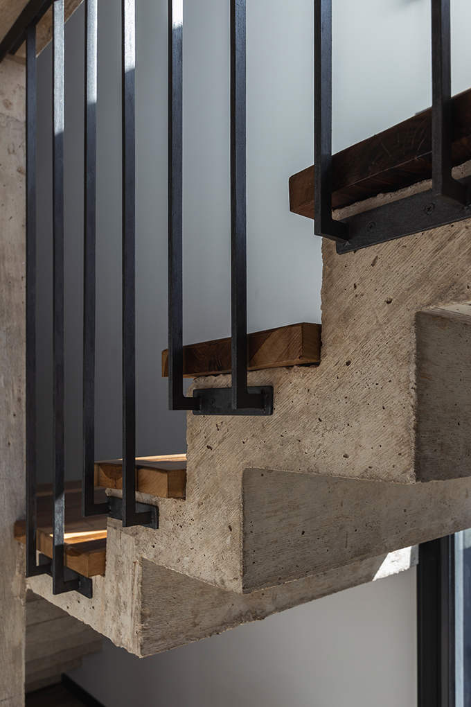 Torres House by Moirë Arquitectos