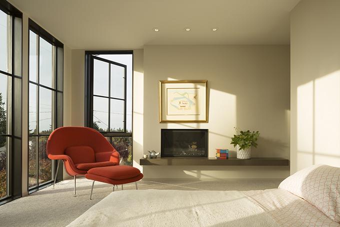 Magnolia Modern Residence by Rerucha Studio