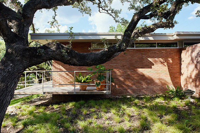 Balcones Residence by Clayton & Little