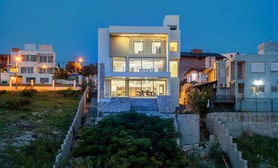 Casa FL by Castellino Arquitectos