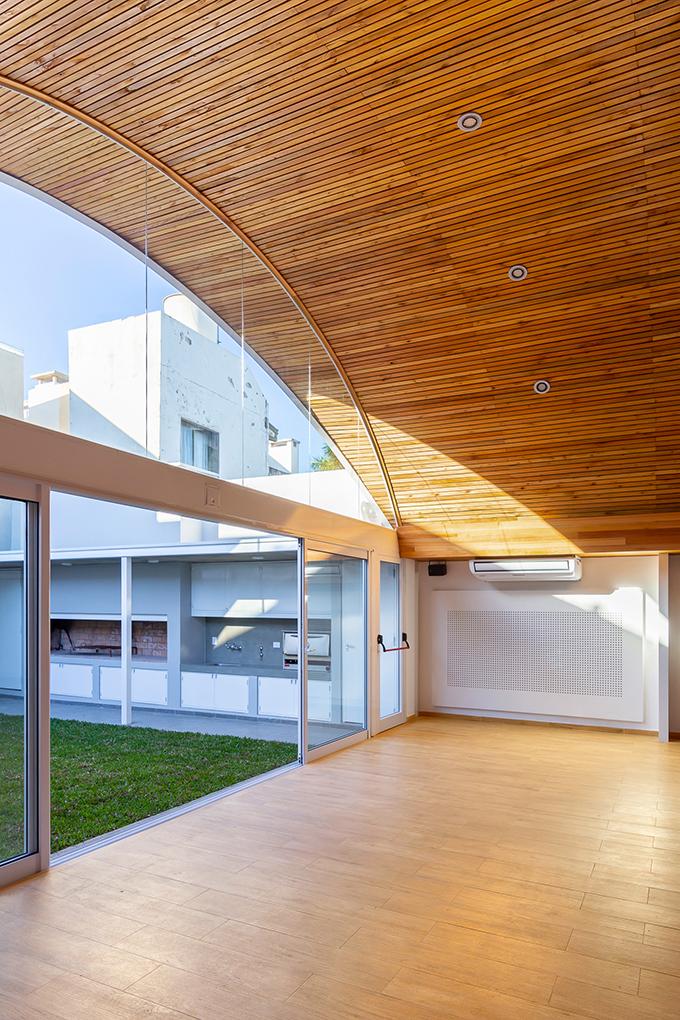 Colegio de Profesionales de la Agrimensura de la Provincia de Santa Fe by Irigoyen / Navarro arquitectos