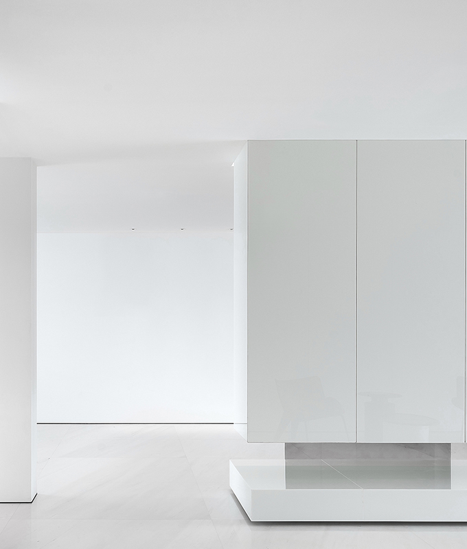 A Minimalist Geometric Home by AD ARCHITECTURE