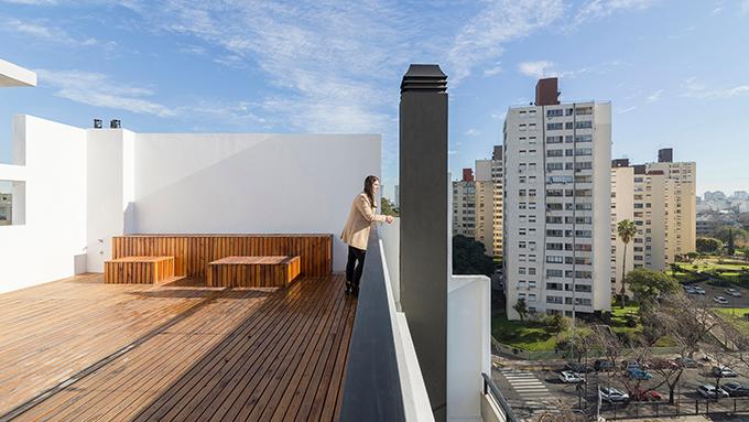 ATH60 Building by Cubero Rubio