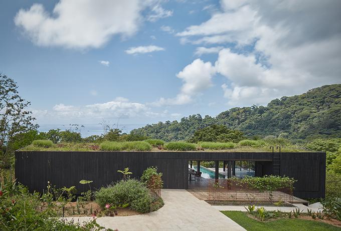 Atelier Villa by Formafatal