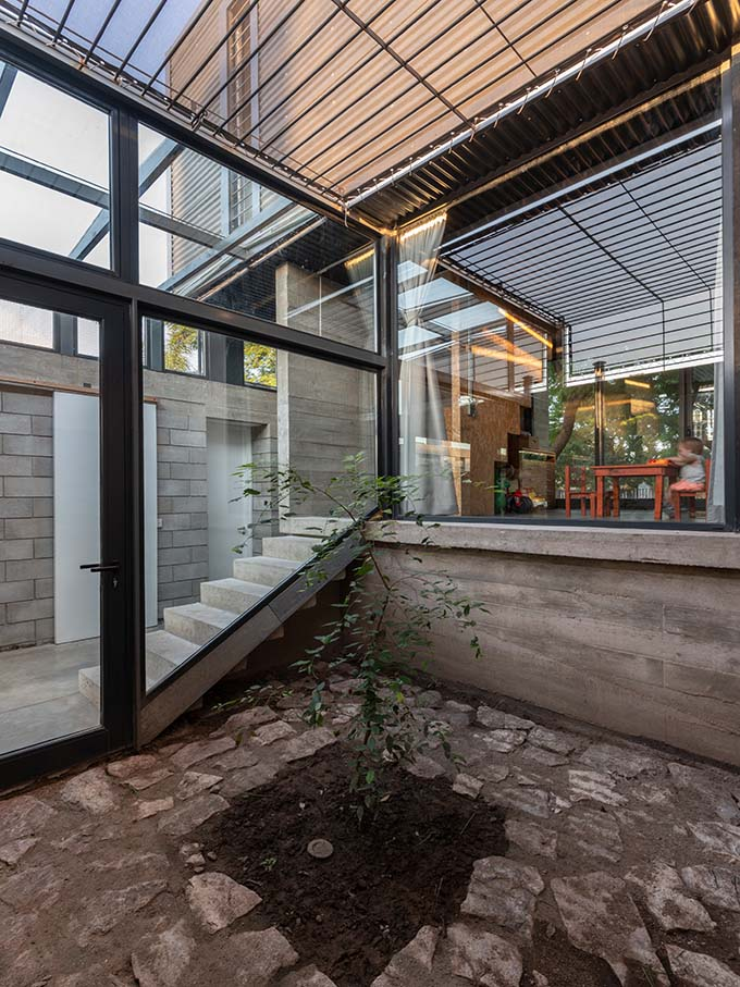 Casa Urrutia by Sol Blanc