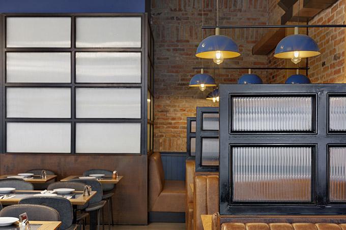 Toro Restaurant by Dana Shaked