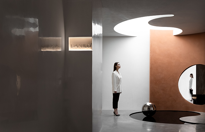 Fusion • Danilo Paint Showroom by JINGU PHONENIX SPACE PLANNING ORGANIZATION