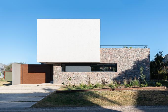 Casa LVF by PSV Arquitectura
