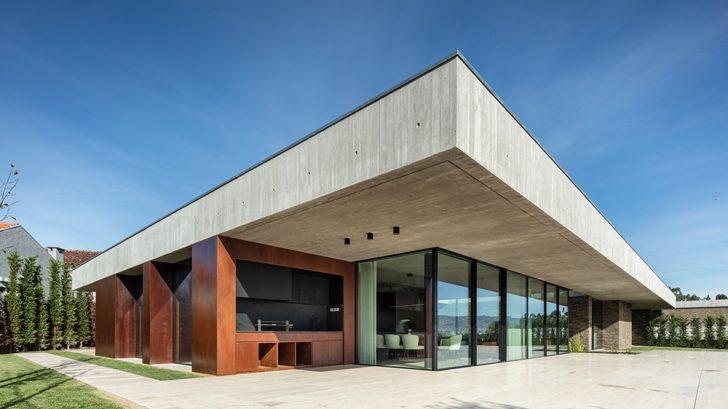 Cork Tree House by TRAMA arquitetos