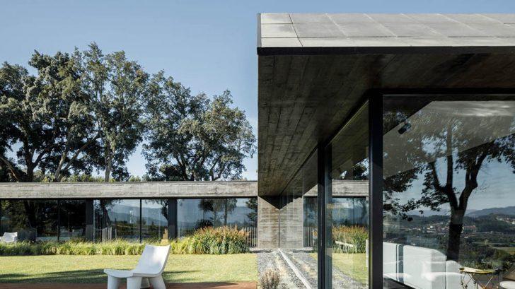 Cork Oak House by Hugo Pereira Arquitectos