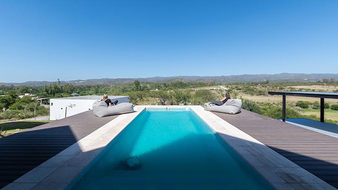 GJA House by Fanesi & Navarro Arquitectas