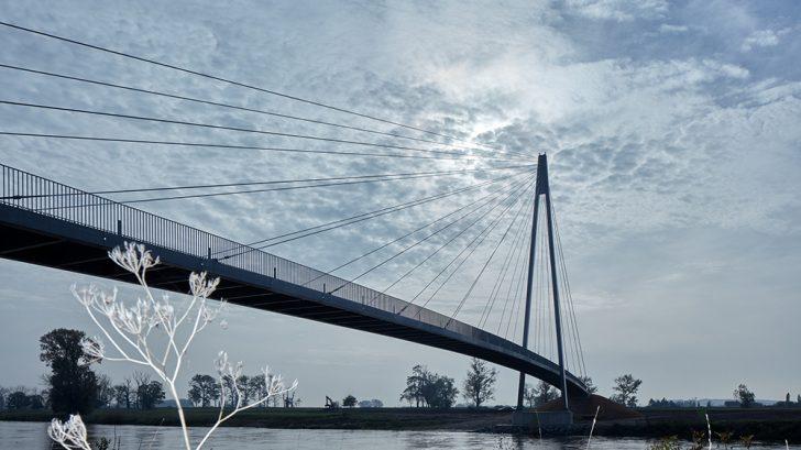 Footbridge in Lužec nad Vltavou by Petr Tej, Marek Blank and Jan Mourek